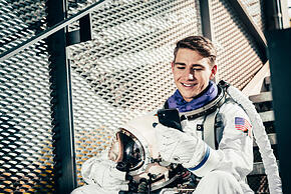 Astronaut2_web